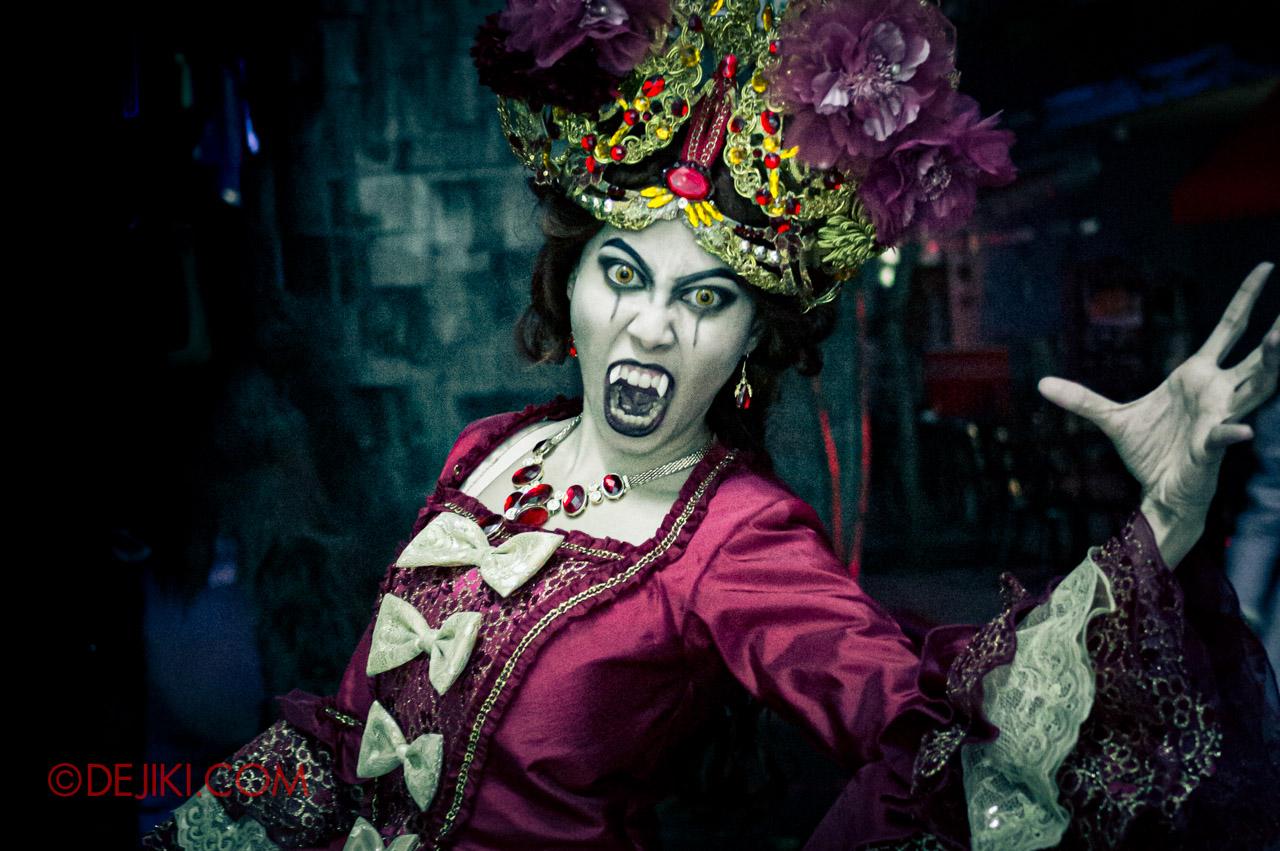 Halloween Horror Nights 3 HHN3 Attack of the Vampires Queen Vampire