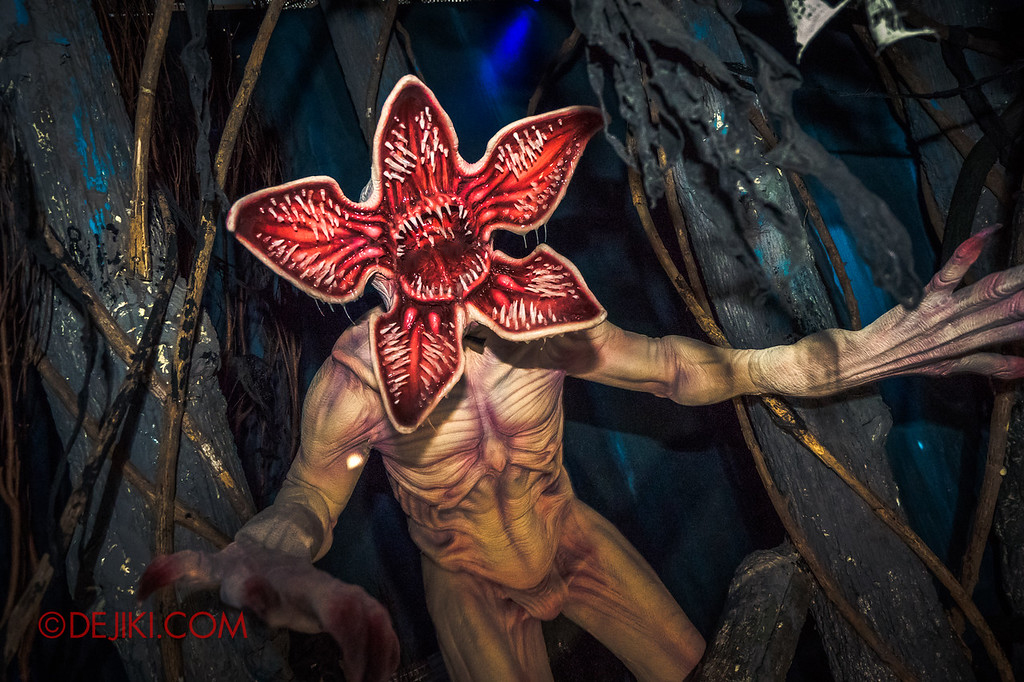 USS Halloween Horror Nights 8 Stranger Things haunted house maze PREVIEW Demogorgon