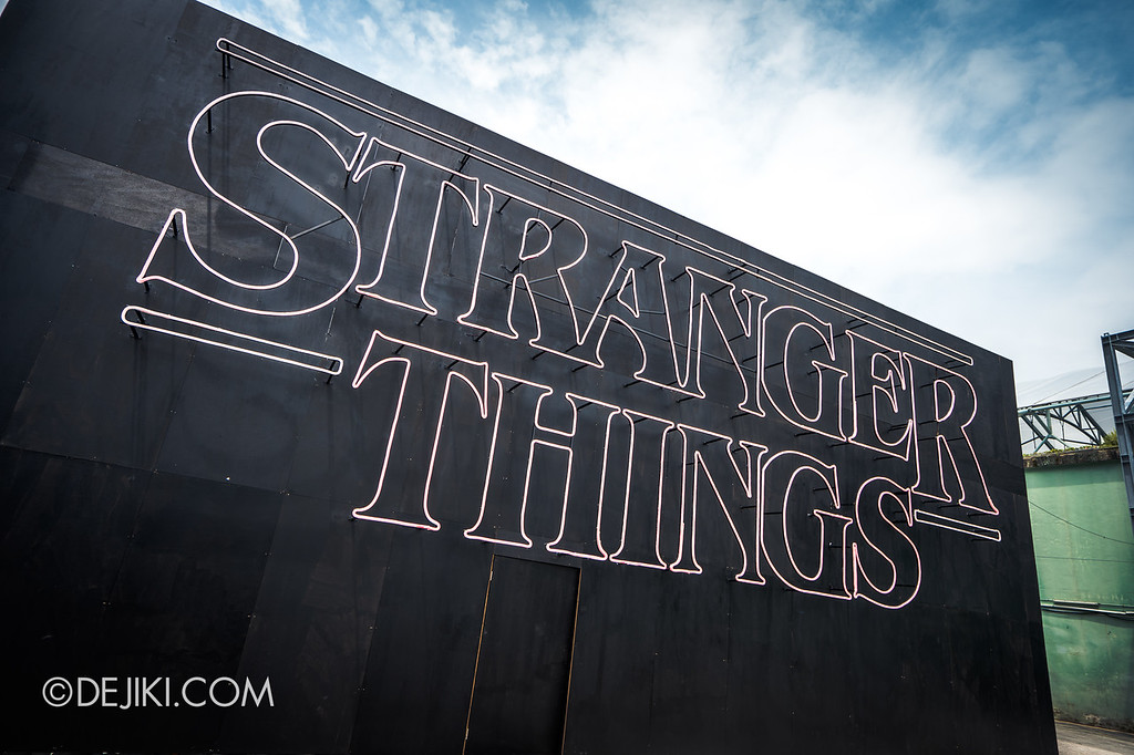 USS Halloween Horror Nights 8 Stranger Things haunted house maze PREVIEW Giant Marquee Facade