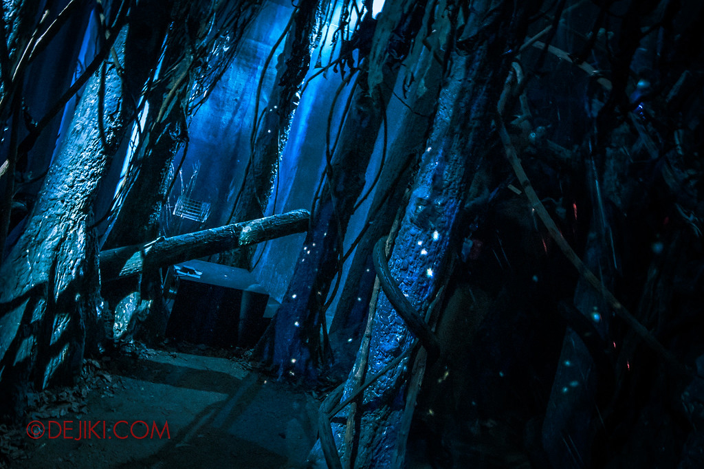 USS Halloween Horror Nights 8 Stranger Things haunted house maze PREVIEW Mirkwood Forest