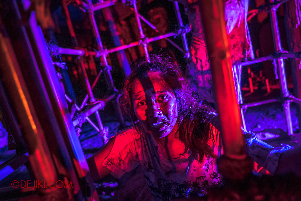 Universal Studios Singapore Halloween Horror Nights 8 - CANNIBAL scare zone victim
