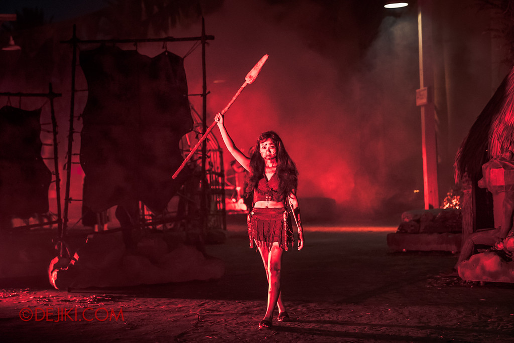 Universal Studios Singapore Halloween Horror Nights 8 - CANNIBAL scare zone warrior huntress