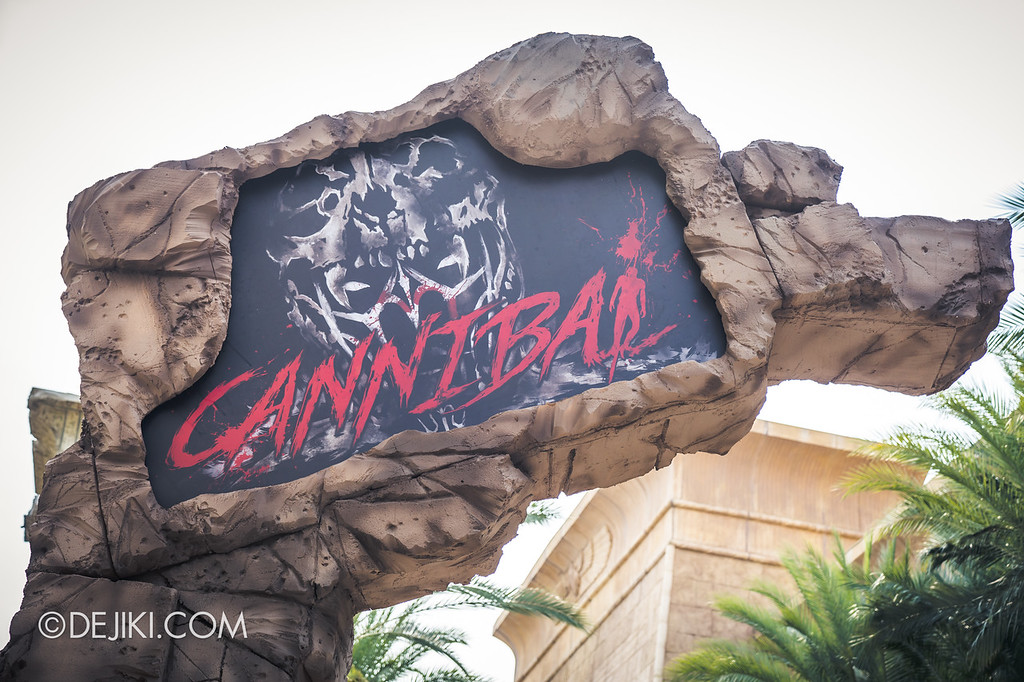 Universal Studios Singapore Halloween Horror Nights 8 / Cannibal scare zone entrance marquee