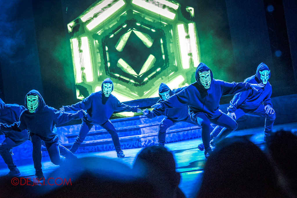 Universal Studios Singapore Halloween Horror Nights 8 - DEAD TALKS Light Mask Dance