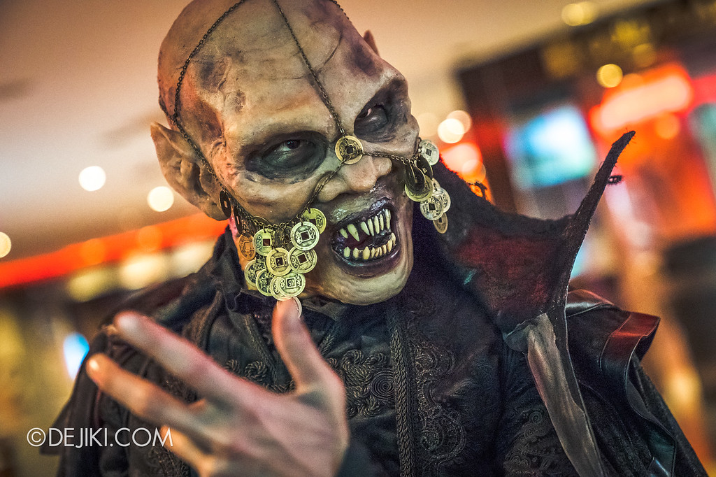 Universal Studios Singapore Halloween Horror Nights 8 / Scare Actor Appearances Lu Xi Fa closeup