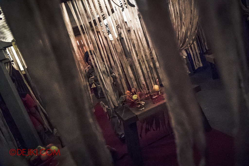 Universal Studios Singapore Halloween Horror Nights 8 - Pagoda of Peril haunted house prayer altar room