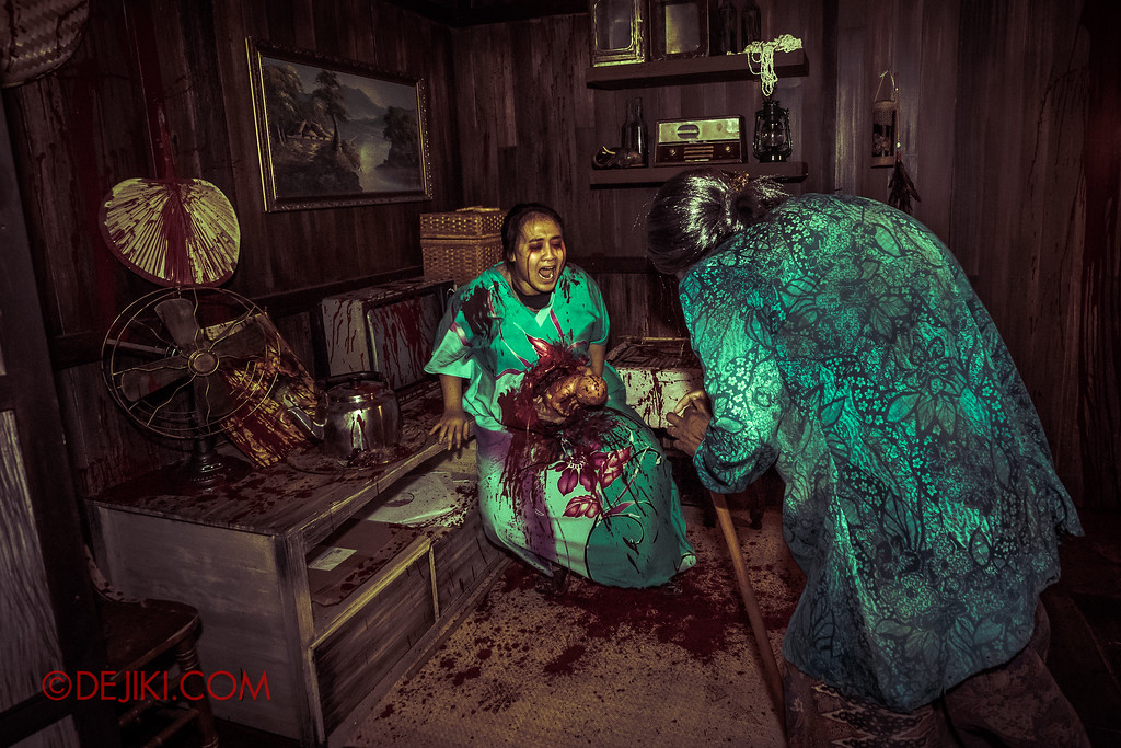 Universal Studios Singapore Halloween Horror Nights 8 - Pontianak haunted house the miscarriage