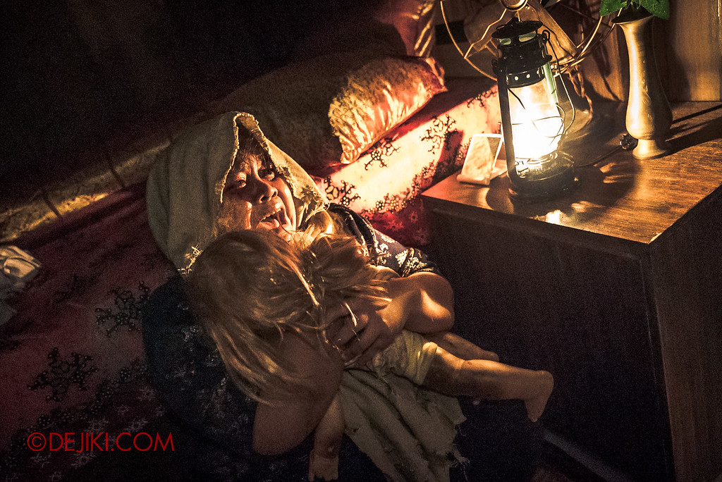 Universal Studios Singapore Halloween Horror Nights 8 - Pontianak haunted house the screaming mother