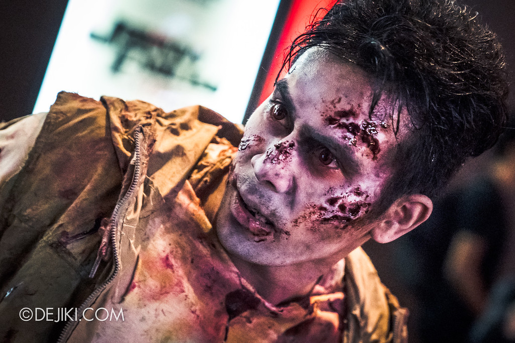 Universal Studios Singapore Halloween Horror Nights 8 / Scare Actor Appearances Zombie Laser Tag
