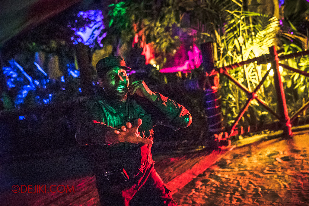 Universal Studios Singapore Halloween Horror Nights 8 - ZOMBIE LASER TAG field sergeant