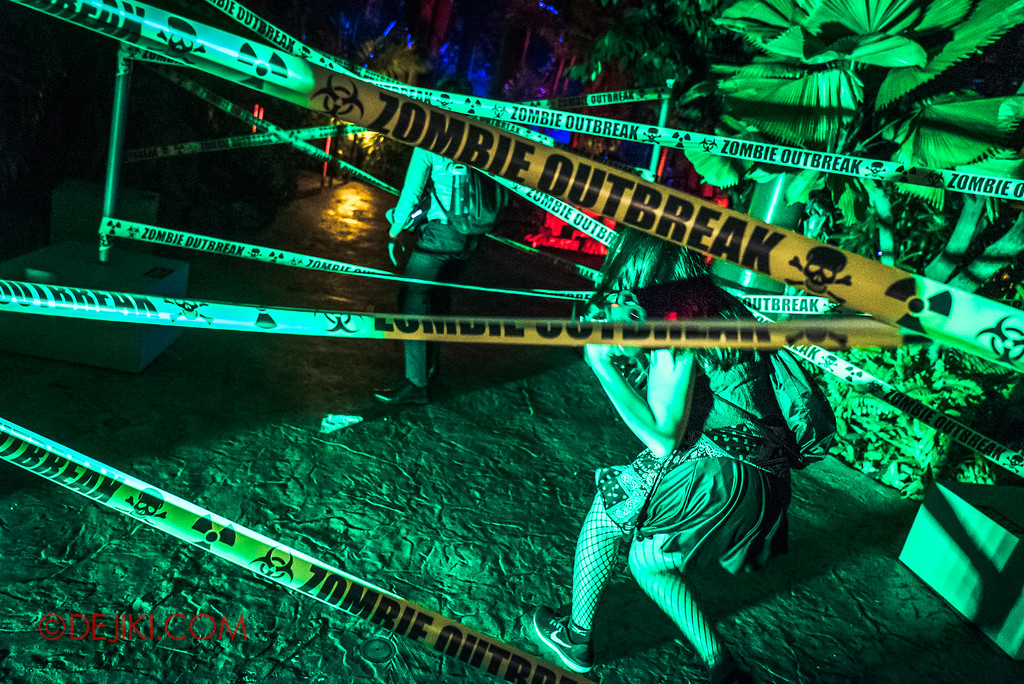 Universal Studios Singapore Halloween Horror Nights 8 - ZOMBIE LASER TAG obstacle tapes