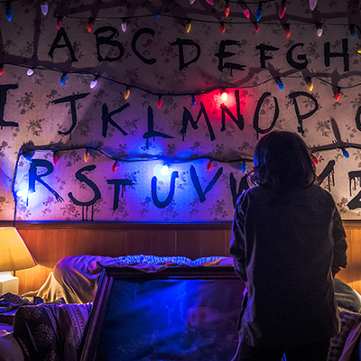 Universal Studios Singapore Halloween Horror Nights 8 - STRANGER THINGS haunted house special feature Joyce Byers RUN christmas lights in living room