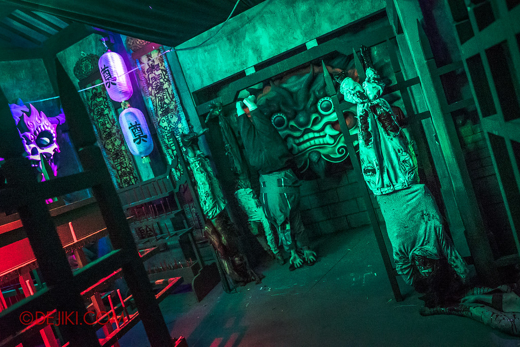 USS Halloween Horror Nights 8 Pagoda of Peril Demon Gate Torture Room Yin Demon