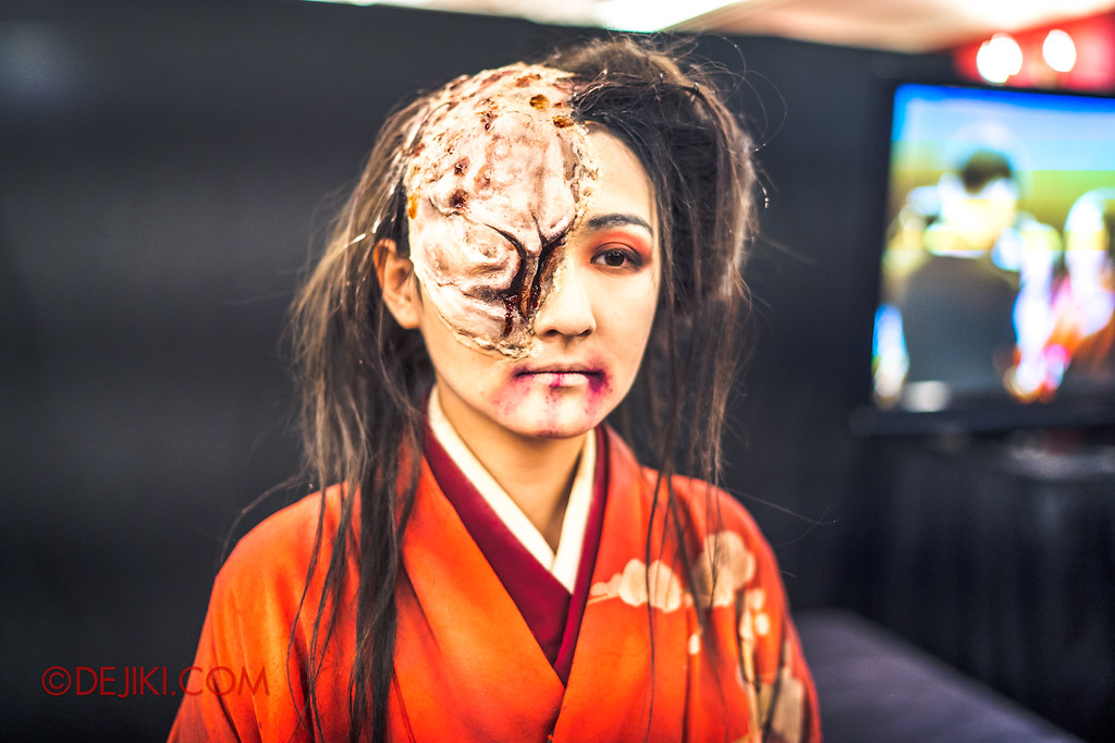 USS Halloween Horror Nights 8 RIP Tour Review - Behind the Screams Tour 2018 Make up demo masks and effects Lady Oiwa completed look