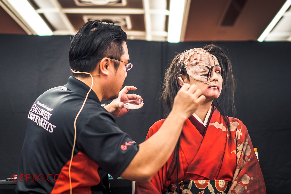 USS Halloween Horror Nights 8 RIP Tour Review - Behind the Screams Tour 2018 Make up demo masks and effects Lady Oiwa makeup process prosthetics special effect