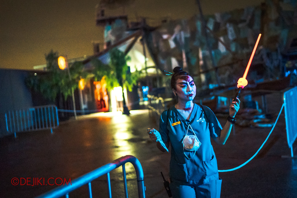 USS Halloween Horror Nights 8 RIP Tour Review - Going through VIP access at Pagoda of Peril