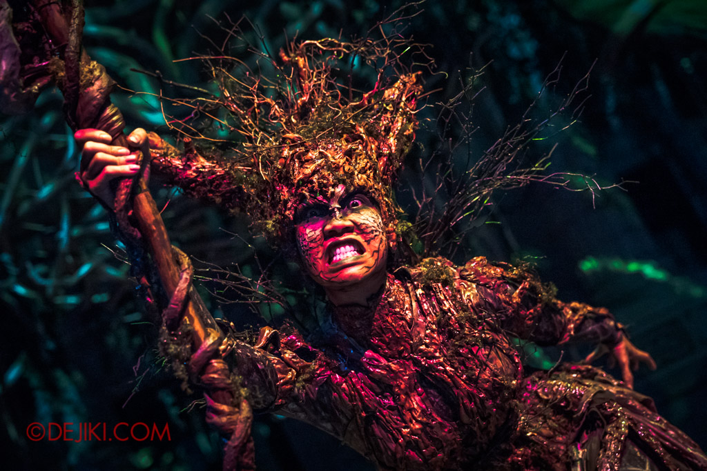 USS Singapore Halloween Horror Nights 8 Apocalypse Earth scare zone Gaia Mother Nature closeup portrait2