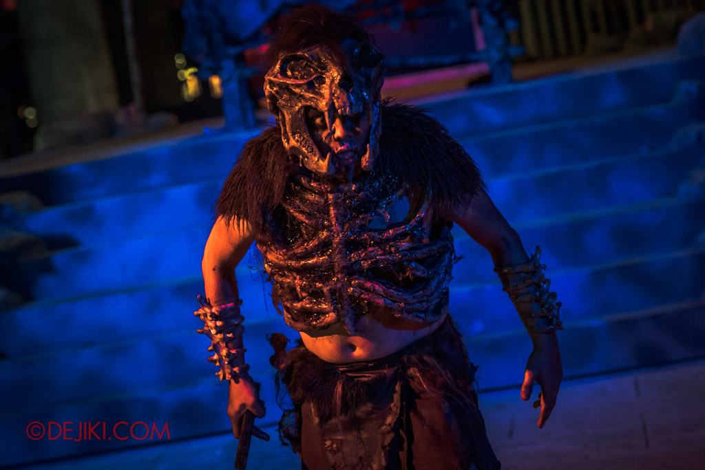USS Singapore Halloween Horror Nights 8 Cannibal scare zone Blood and Bones show finale Cannibal chief