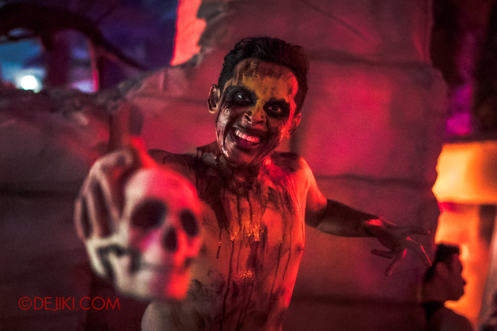 USS Singapore Halloween Horror Nights 8 Cannibal scare zone chanting skull