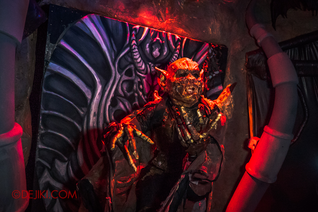 Universal Studios Singapore Halloween Horror Nights 8 Killuminati haunted house 10 Lu Xi Fa throne