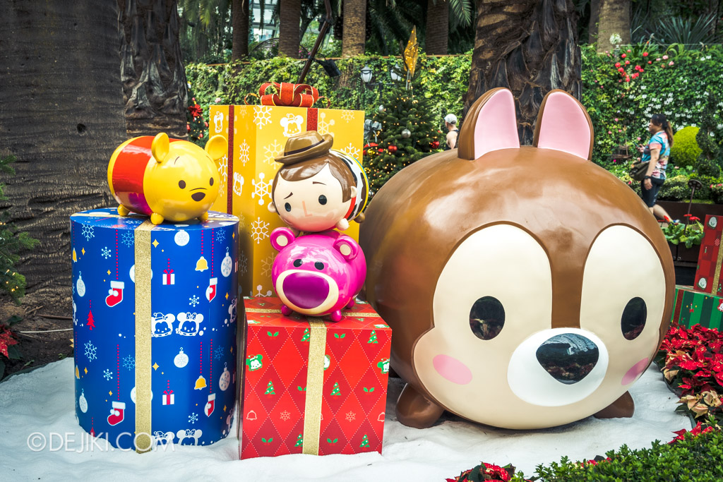 Gardens by the Bay Singapore Christmas 2018 - Poinsettia Wishes featuring Disney Tsum Tsum - Giant Chip