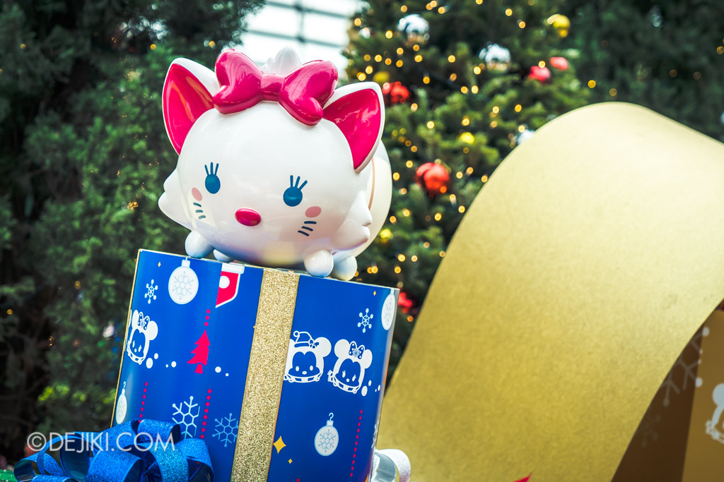 Gardens by the Bay Singapore Christmas 2018 - Poinsettia Wishes featuring Disney Tsum Tsum - Marie Tsum