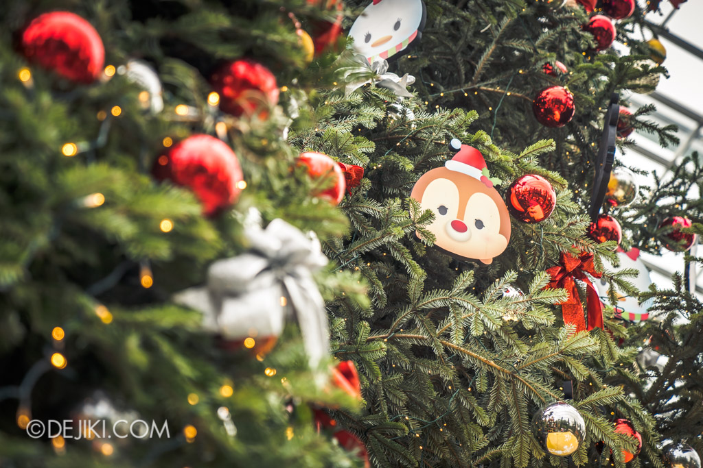 Gardens by the Bay Singapore Christmas 2018 - Poinsettia Wishes featuring Disney Tsum Tsum - Tree bokeh Dale ornament
