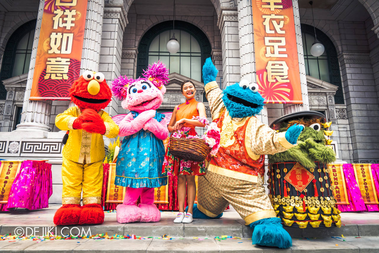Universal Studios Singapore - Chinese New Year 2019 Monster Lo Hei show by Sesame Street Hero