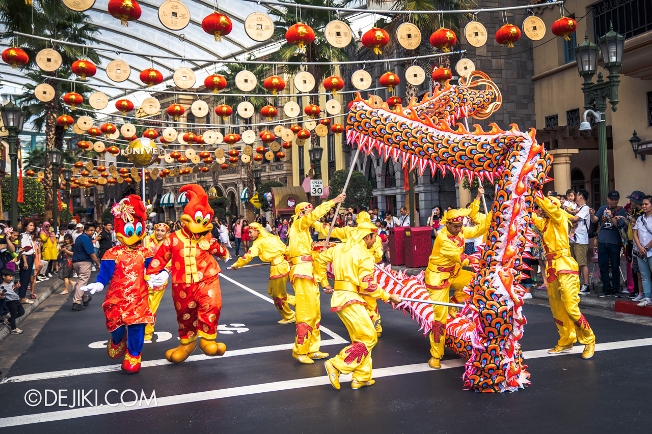 Universal Studios Singapore - Chinese New Year 2019 auspicious dragon trail parade show Woody Winnie Woodpeckers