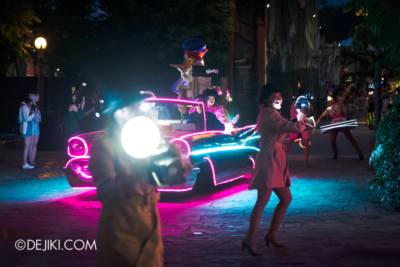 Universal Studios Singapore - Hollywood Dreams Light-up Parade - 1 Paparazzi Photographer