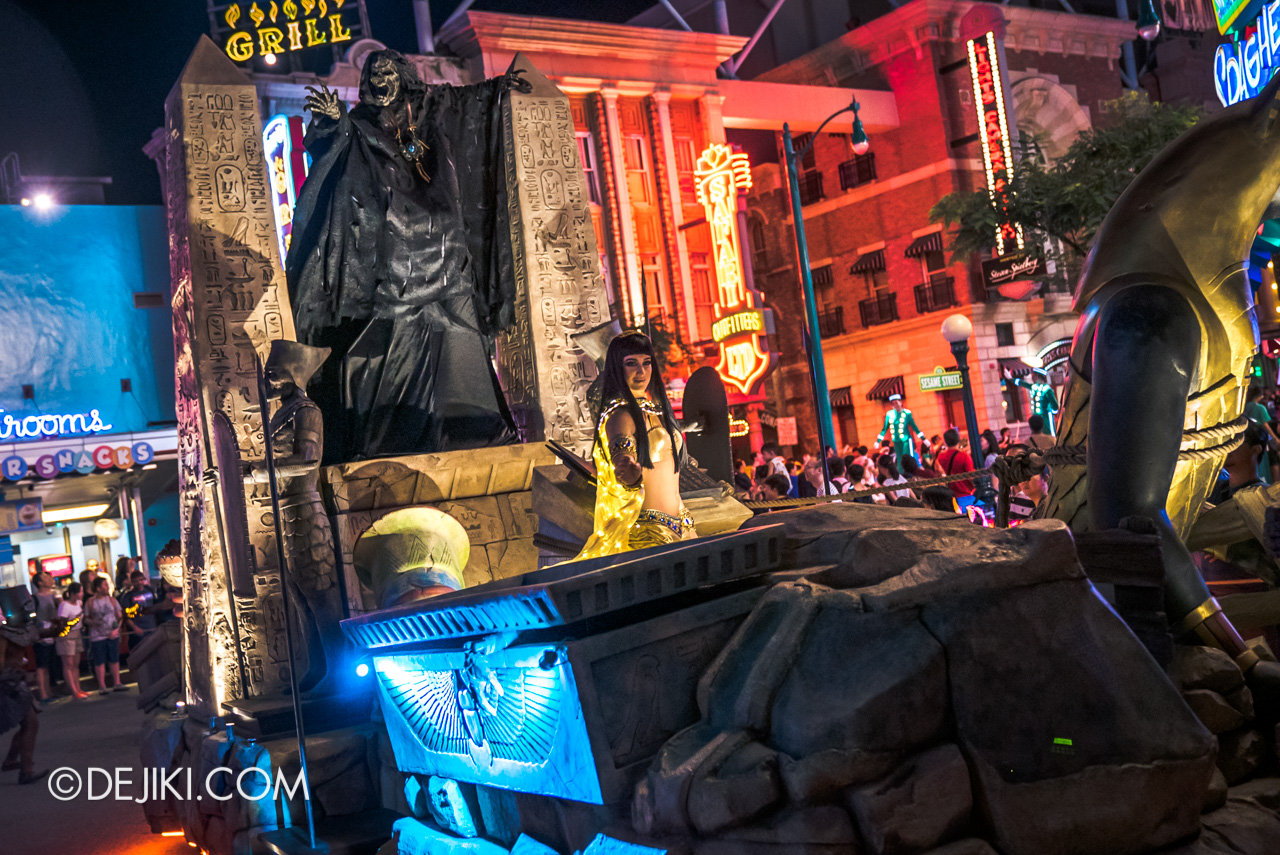 Universal Studios Singapore - Hollywood Dreams Light-up Parade - 5 Ancient Egypt Imhotep and Nile Princess