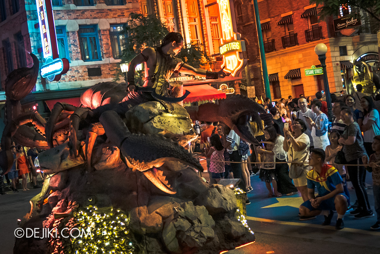 Universal Studios Singapore - Hollywood Dreams Light-up Parade - 5 Ancient Egypt Scorpion King