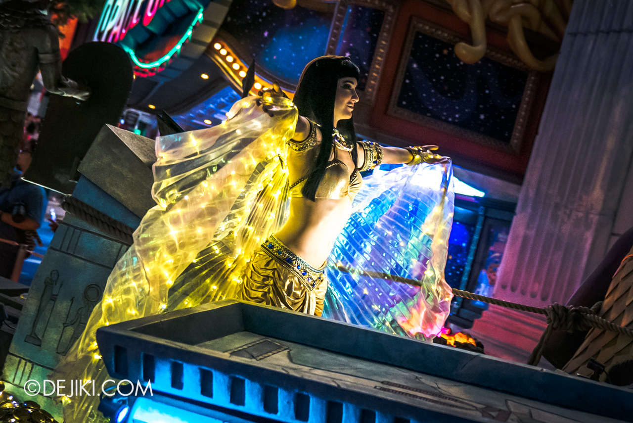 Universal Studios Singapore - Hollywood Dreams Light-up Parade - 5 Ancient Egypt The Nile Princess