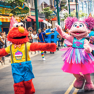 Universal Studios Singapore - Sesame Street 50 Years and Counting Celebration - Blowout Party intro elmo and abby