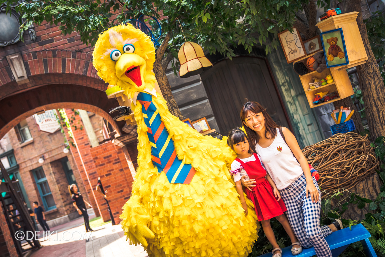 Universal Studios Singapore - Sesame Street 50 Years and Counting Celebration big bird nest photo op