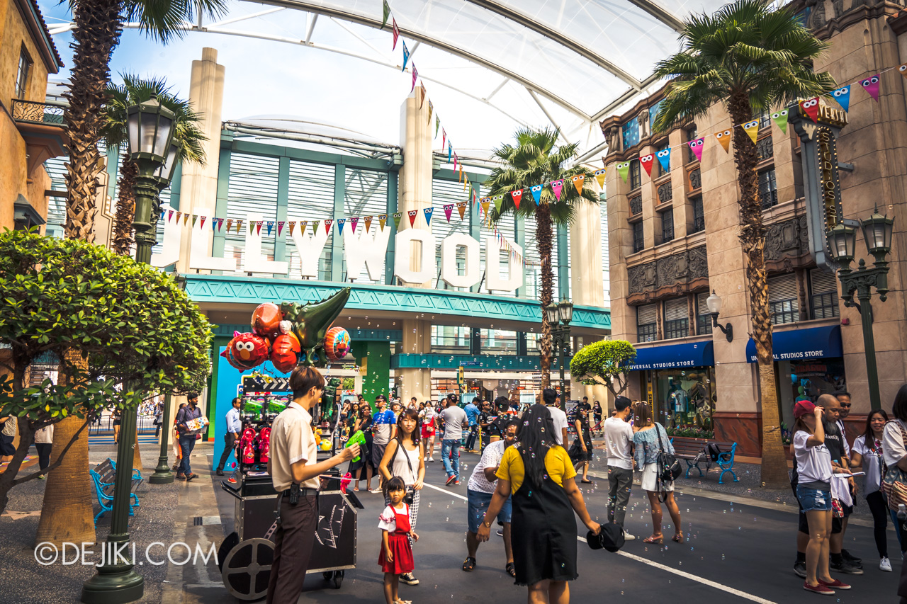 Universal Studios Singapore - Sesame Street 50 Years and Counting Celebration hollywood bubbles
