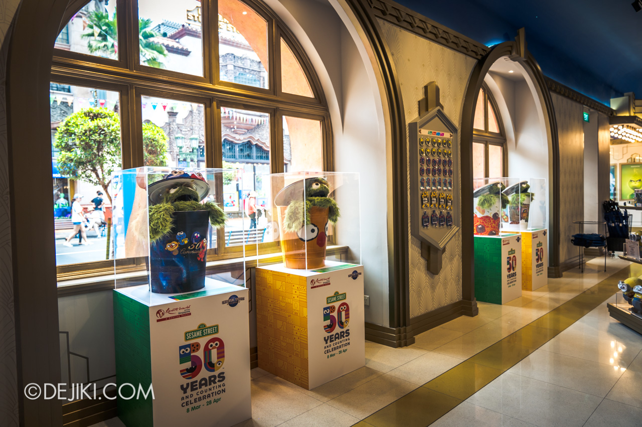 Universal Studios Singapore - Sesame Street 50 Years and Counting Celebration hollywood trash can exhibits