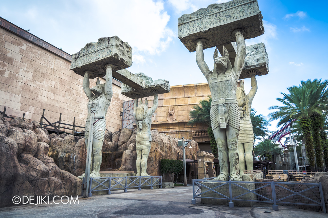 Universal Studios Singapore Ancient Egypt barrier 10 Anubis statues