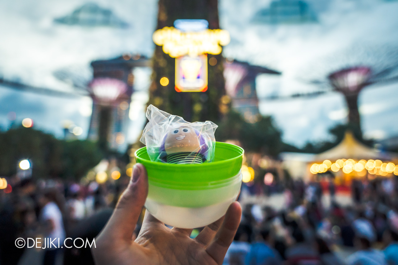 Gardens by the Bay - Disney Toy Story 4 Children's Festival 2019 - Toy Story Gachapon Capsule open