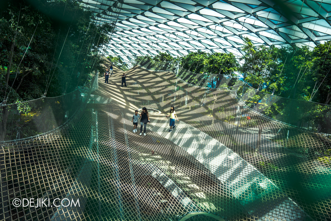 Jewel Changi Airport - Canopy Park 5 - Manulife Sky Nets Bouncing crossover 2