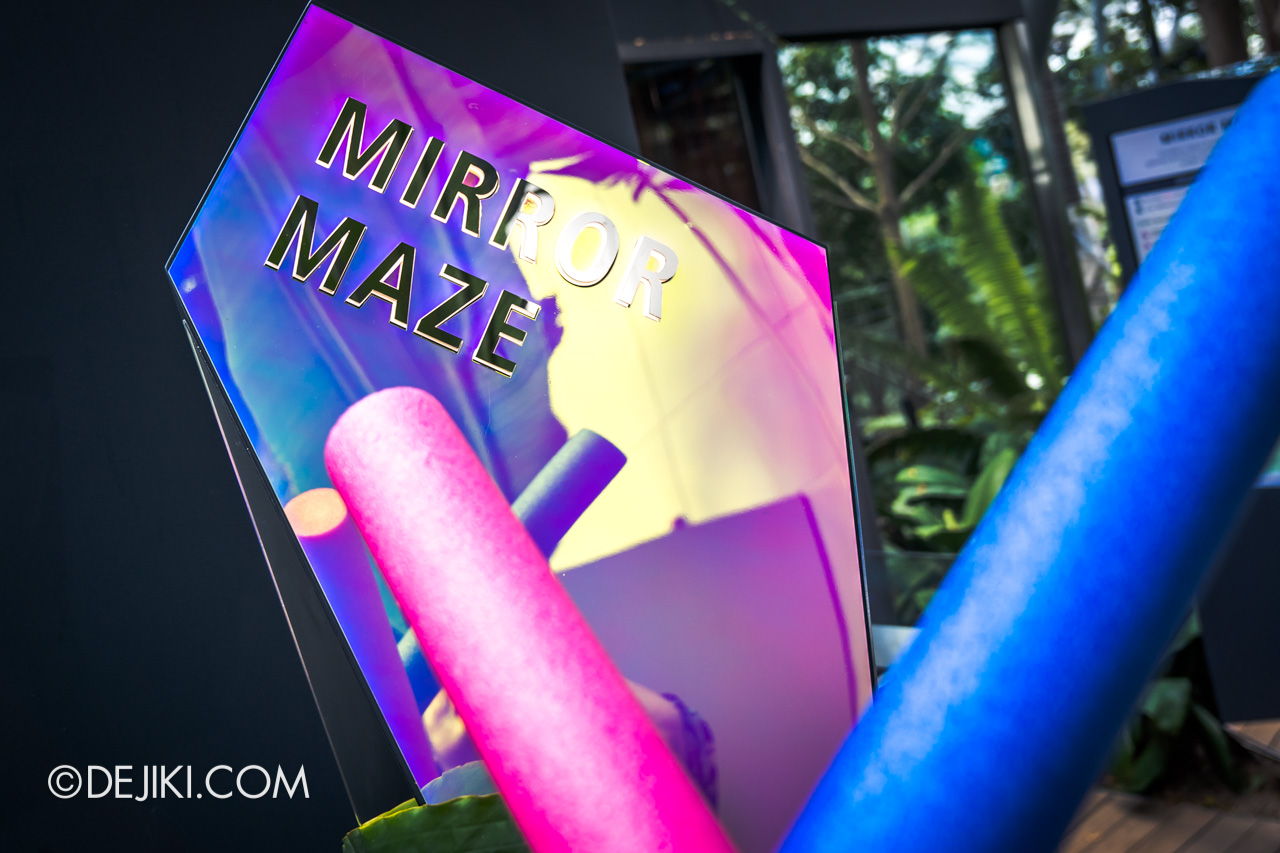 Jewel Changi Airport - Canopy Park 7 - Mirror maze entrance
