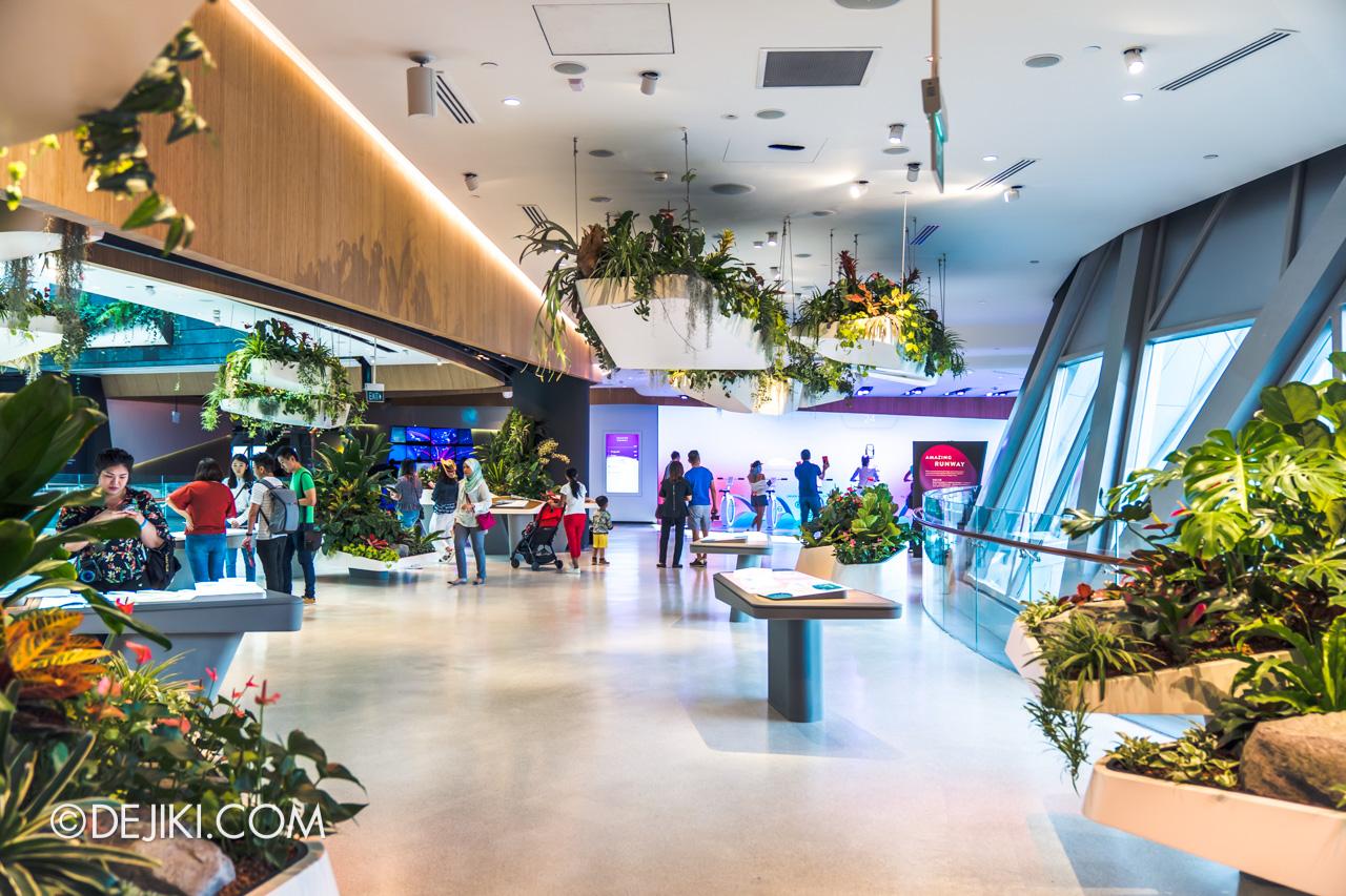 Jewel Changi Airport - Changi Experience Studio 3 - Hanging Garden overview 2