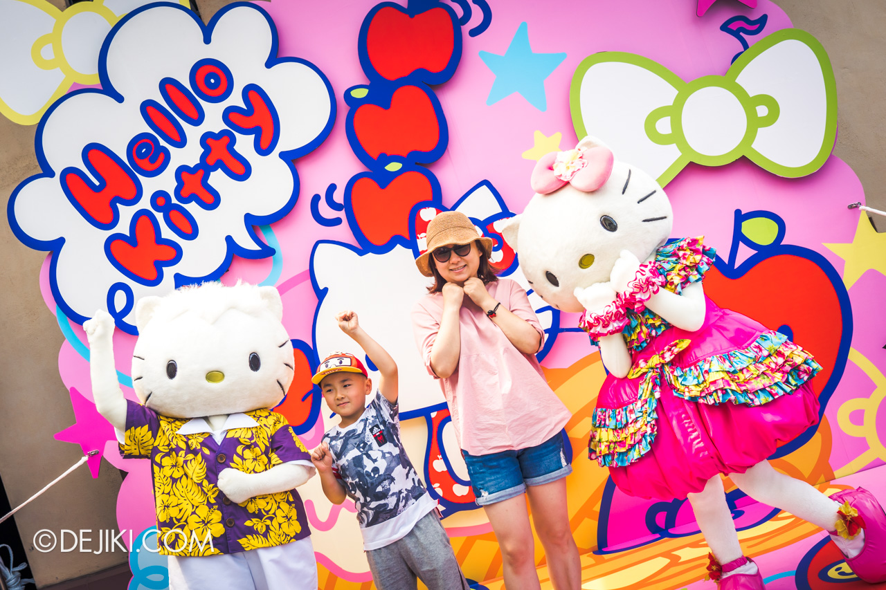 USS Universal Summer event Hello Kitty and Dear Daniel with park guests