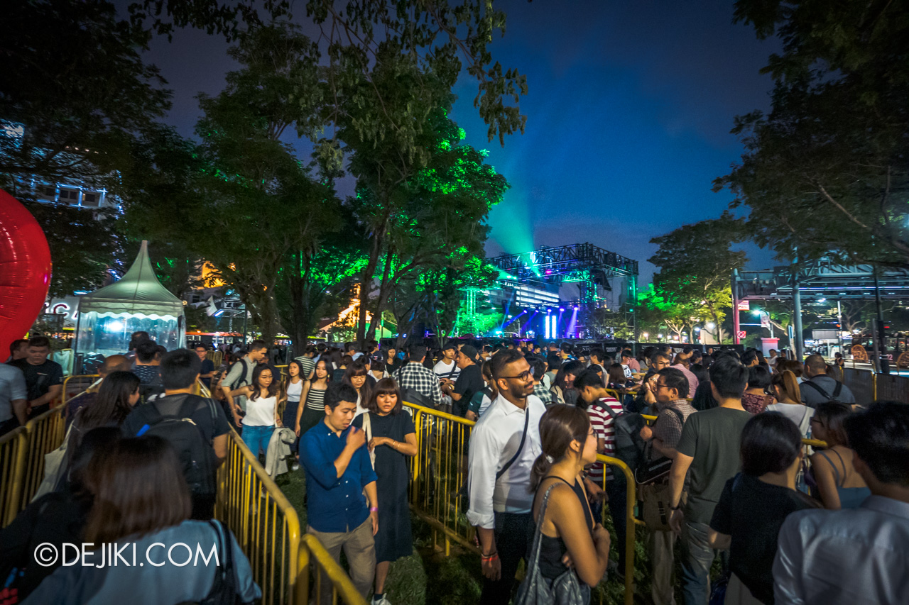 Fuerza Bruta at Singapore Night Festival 2019 - 00 queue