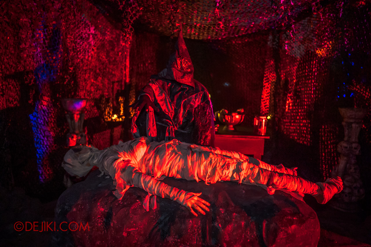 USS Halloween Horror Nights 9 Dead End scare zone 4 death rites