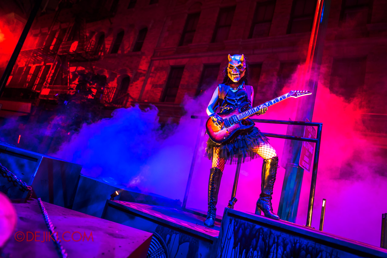 USS Halloween Horror Nights 9 Death Fest scare zone 6 guitarist