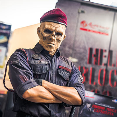 USS Halloween Horror Nights 9 Hell Block 9 Horror Truck s4