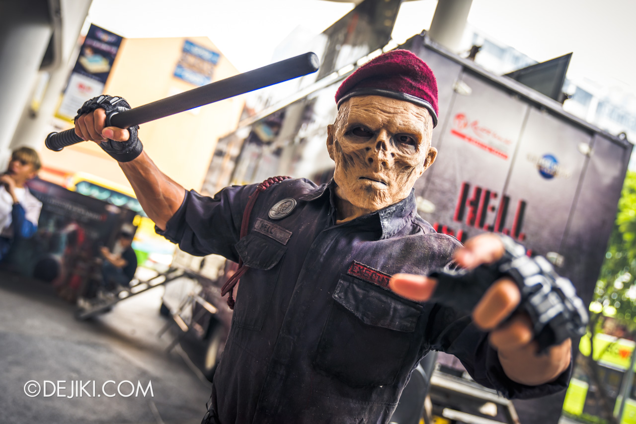 USS Halloween Horror Nights 9 Roadshow Hell Block 9 Horror Truck Executioner