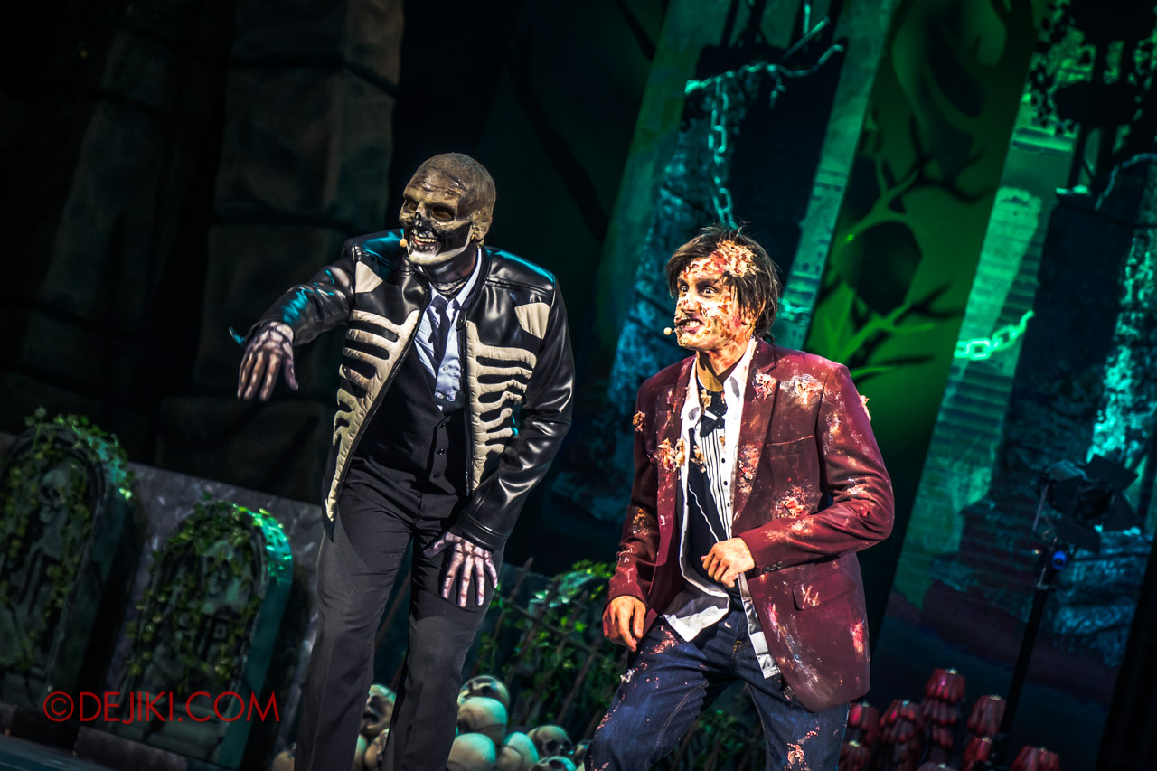 USS Halloween Horror Nights 9 Skin and Bones show 1 co hosts