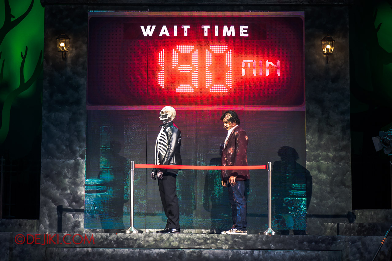 USS Halloween Horror Nights 9 Skin and Bones show 2 wait time